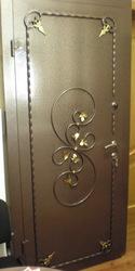 Двери бронированные входные с кованными элементами