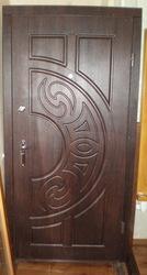 Двері вхідні продам