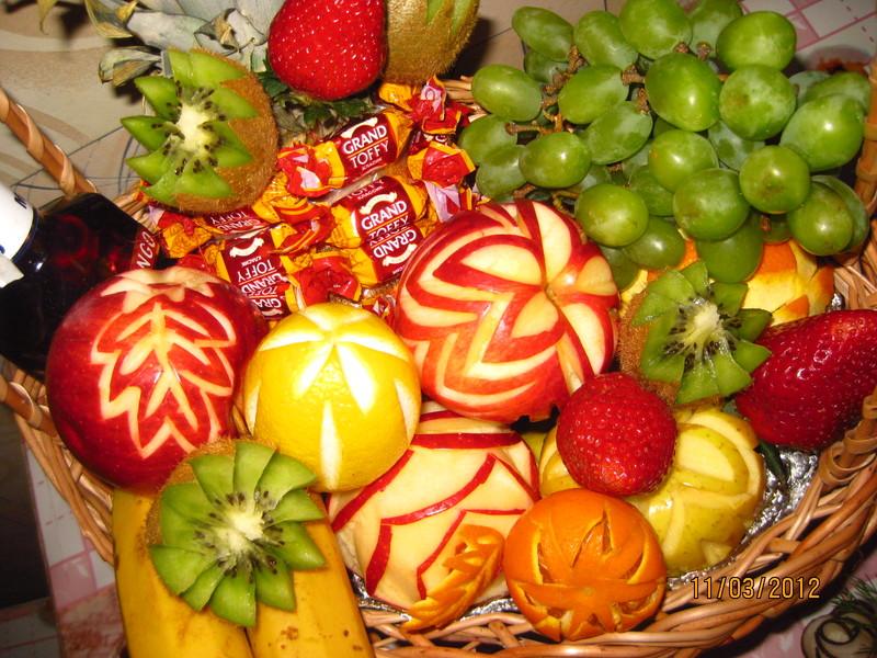 Как сделать экибану  из фруктов