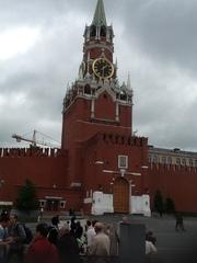Для комплектация строительных объектов в России,  нужен производитель