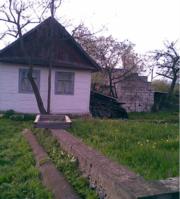 Продам дерев'яний будинок (старенький)