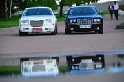 Прокат Chrysler 300C Белого цвета в Житомире